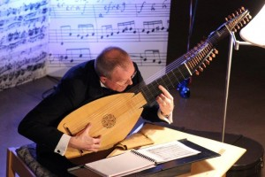 EMS_OAA_concert_Weiss E flat pieces theorbo